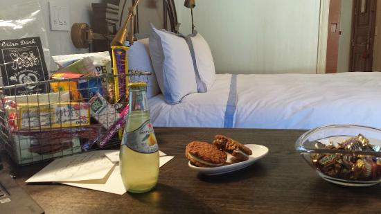 Greenwich Hotel : Snacks and goodies