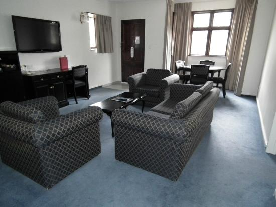 Heartland Hotel Cotswold: Lounge