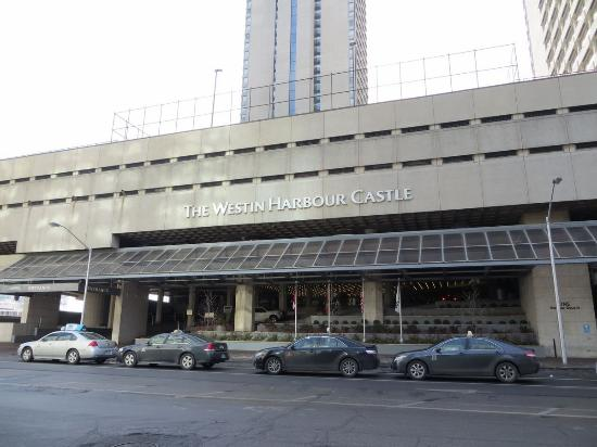 Room picture of the westin harbour castle toronto for 1 harbour square 38th floor toronto on m5j 1a6