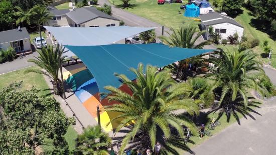Ohiwa Beach Holiday Park: Jumping pillow