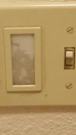 Red Roof PLUS+ Nashville Airport: light switch...ummm