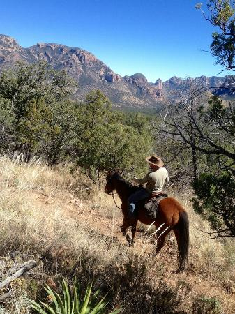 Hideout Ranch : Riding in the Chiricahua Mountains