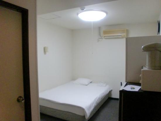 Hotel Peace Land : 窓なしのシングルルーム
