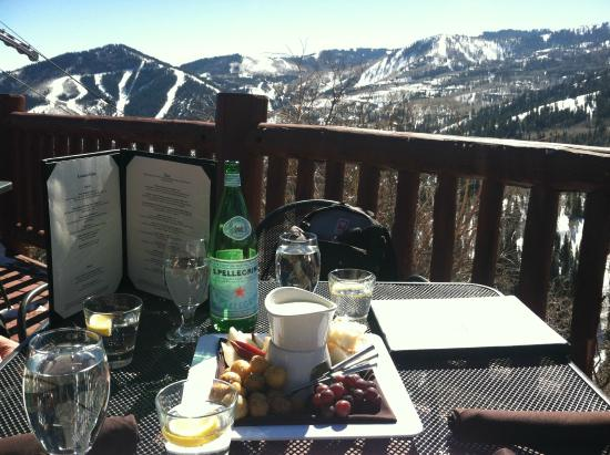 Lookout Cabin: Cheese Fondue with a view!