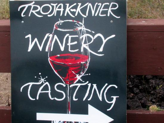 ‪Trojak Knier Winery‬