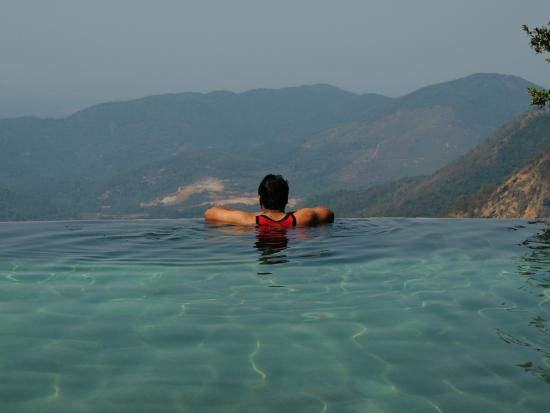 Infinity pool picture of wildernest chorla tripadvisor for Western pool show 2015