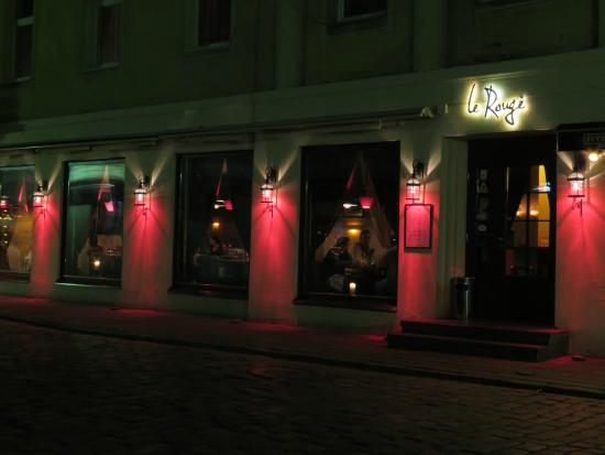 Le Rouge - brasserie & cafe : Le Rouge Street View