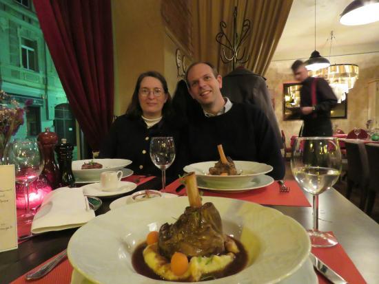 Le Rouge - brasserie & cafe : Marinated Lamb Shanks