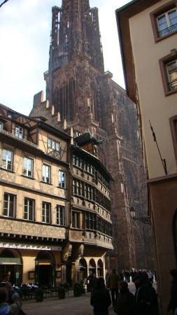 Strasbourg Musee de l'OEuvre Notre-Dame: Вид на собор и фехверк