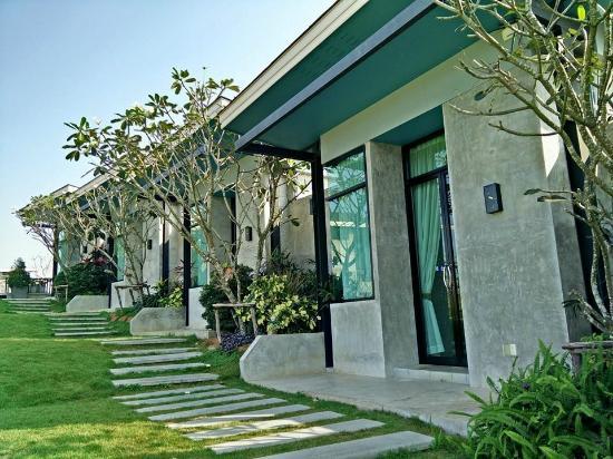 Sasima Moonlight Villa: วิวหน้าห้องพัก