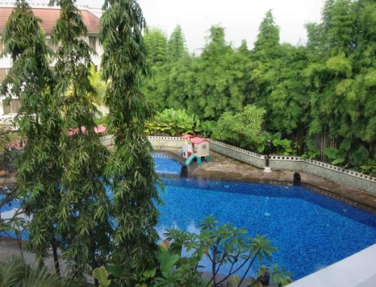 Swimming Pool Picture Of Hotel Santika Premiere Jogja Yogyakarta Tripadvisor