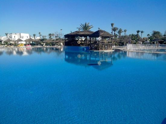 Playa Sidi Mehrez, Túnez: La piscine principale