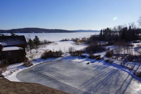 Vue de la chambre sur le lac en hiver picture of auberge for Chambre de notaire du quebec