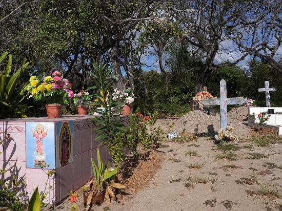 Nosara Beach (Playa Guiones): Am Friedhof