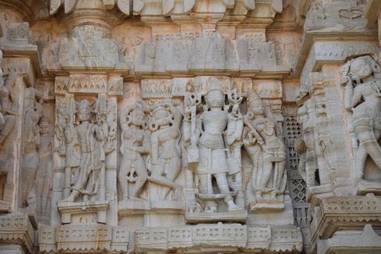 Tower of Fame (Kirti Stambh) : Sculptures