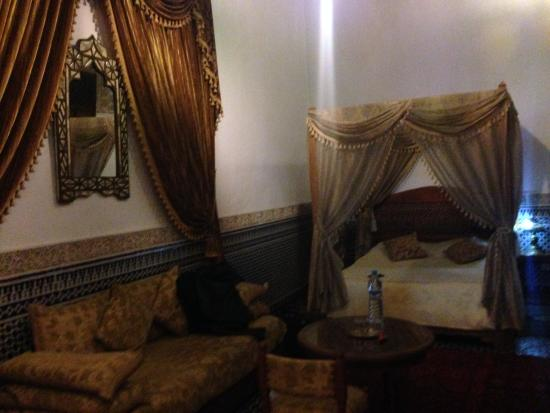 Riad Louna: room