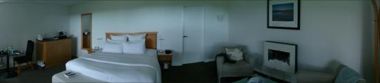 Franz Josef Oasis: Nicely appointed room with great views