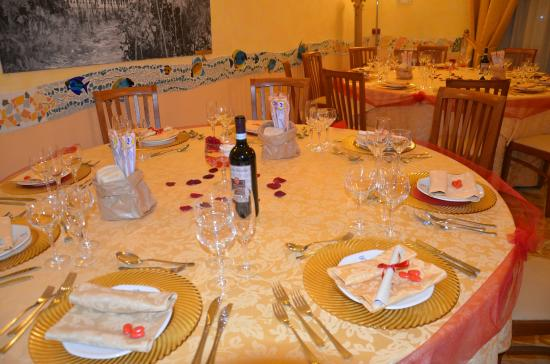 Decorazioni Sala Laurea : Decorazioni tavoli laurea u2013 idea dimmagine di decorazione