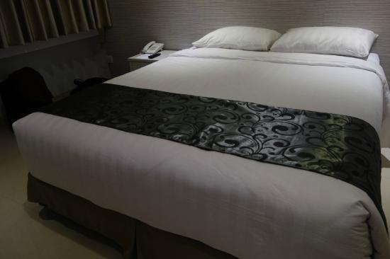 Clean Room Picture Of Kembang Hotel Bandung Tripadvisor