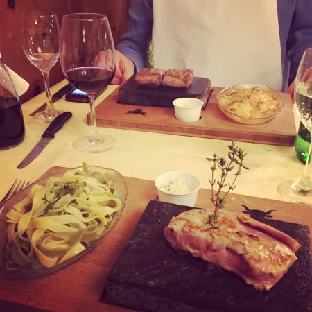 Hotel Ochsen: Veal steak 160g hotstone grill