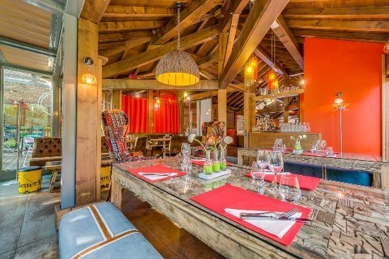 La v randa fotograf a de restaurant la maison rouge for Restaurant la maison rouge chambery