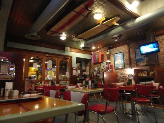 Woody's Diner III: Interior shot