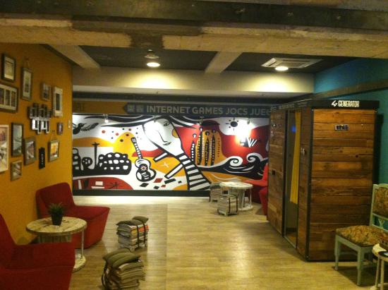 relax ll picture of generator hostel barcelona barcelona tripadvisor. Black Bedroom Furniture Sets. Home Design Ideas