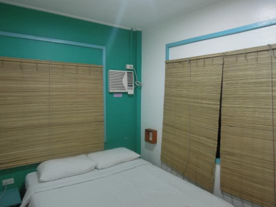 MNL Boutique Hostel: private room with shared bathroom