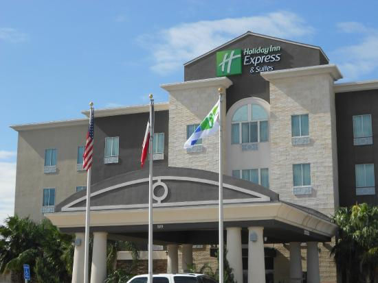Holiday Inn Express & Suites Corpus Christi North: Exterior Front View