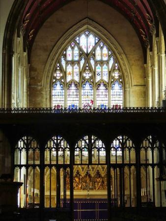 St. John the Baptist Church: detalhe do vitral