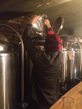 Bec Jaune Brewery: The brewer patron at his work