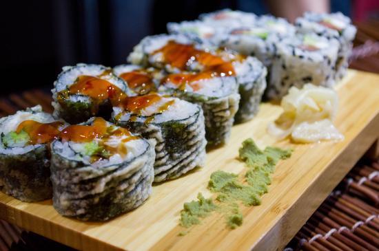 Konichi-Wa Sushi y Asian Gourmet