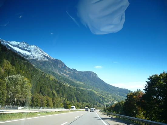 Albergo Losone : la route le long du lac