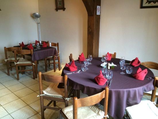 Oisly, Fransa: Salle du restaurant