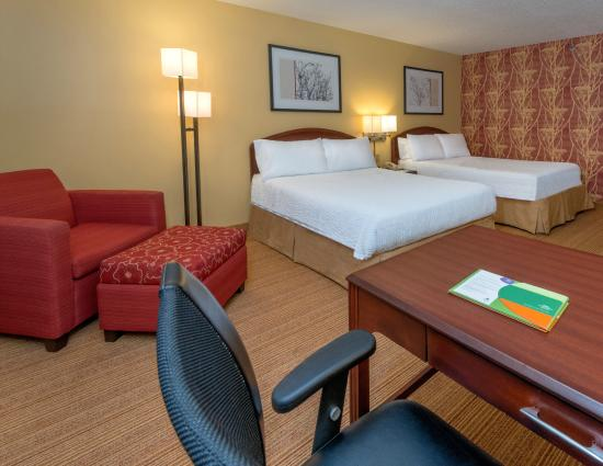 Courtyard by Marriott Tuscaloosa: Queen/Queen Guest Room