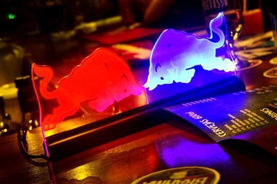 Avesso Bar