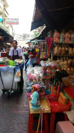 Sampeng Lane - Picture of Sampeng Market, Bangkok ...