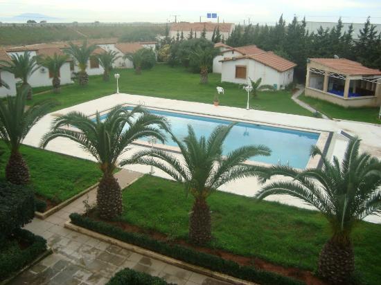 سطاوالي, الجزائر: piscine animée