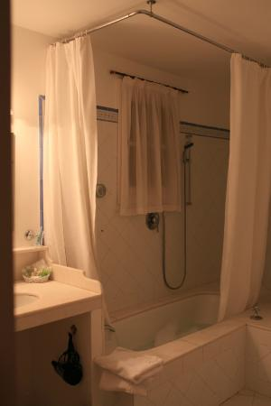 Hotel San Lorenzo: tub