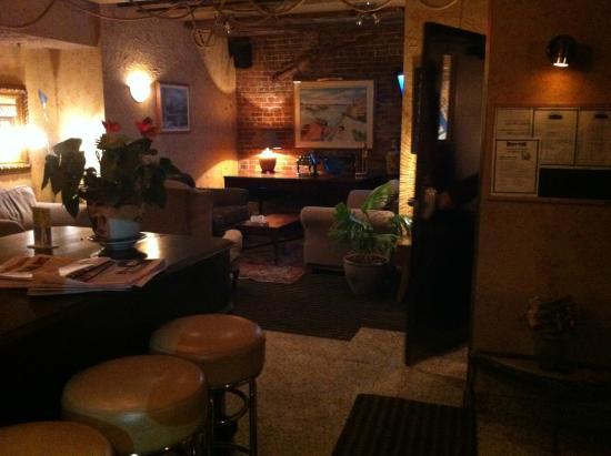 Hotel Champ-de-Mars: Quaint reception/lobby/lounge