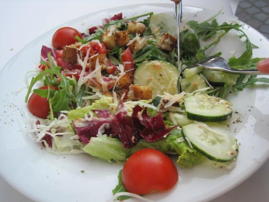 Kavarna Macek : Dinner Salad
