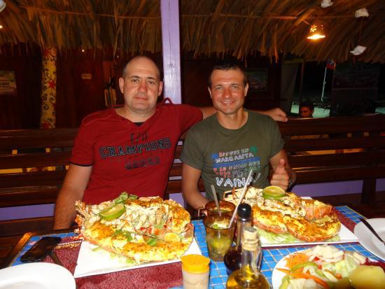 Sharks Beach Bar El Yaque: По моему мы их еле-еле съели