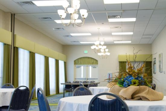 Holiday Inn Express Hotel & Suites Montgomery/Boyd Cooper Parkway: Reception Facilites