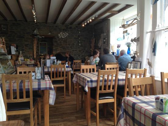 Beach Break Tearooms: The cafe