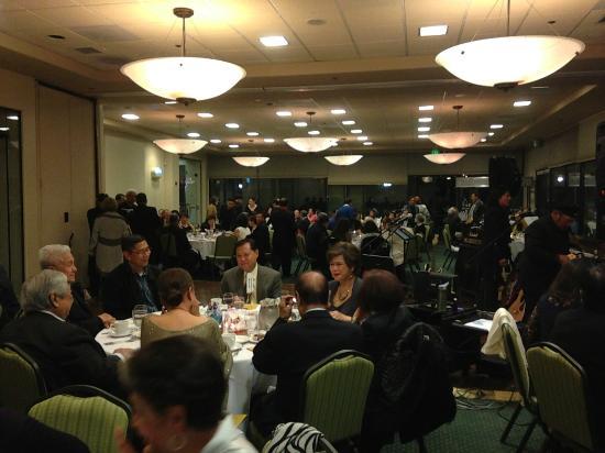 San Mateo, CA: Dinner guests