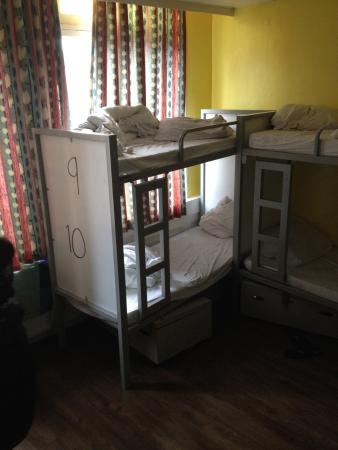Bob's Youth Hostel: 16 bed mixed dorm