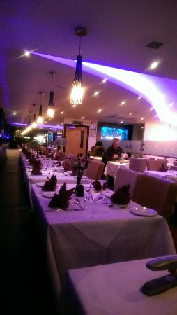 West Drayton, UK: One side of the restaurant
