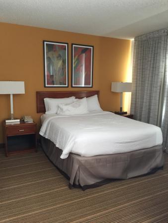Residence Inn Parsippany: Bedroom