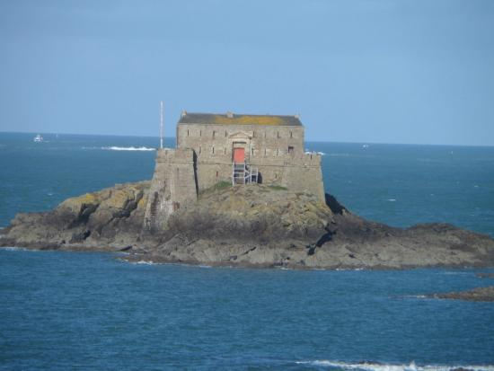 vue du fort du Petit Bé depuis les remparts