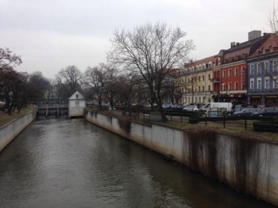 Hotel Europa : На берегу реки